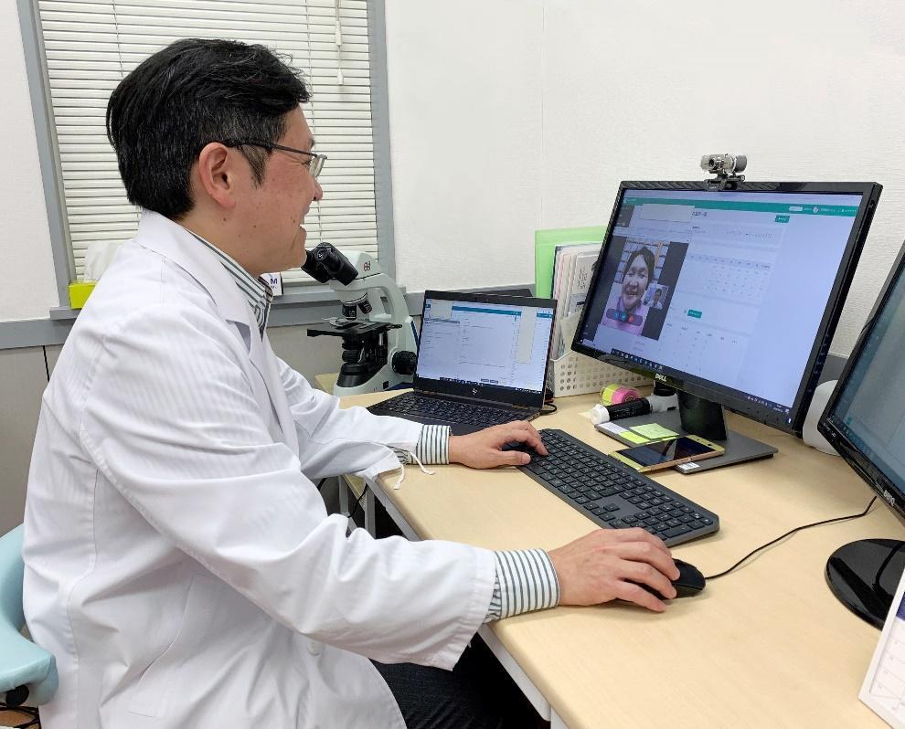 「もっと続けやすく、もっと確実に」オンライン診療支援サービス「telemedEASE」が実現する、新しい診察のカタチとは_インタビュー風景2