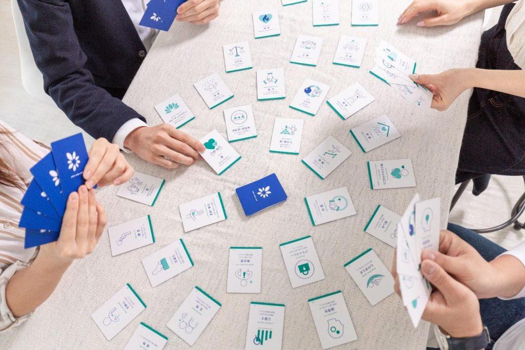 自分の価値観を見つけてワクワク働ける社会に。「カラバリューカード」が持つ想いとは。_使用風景2