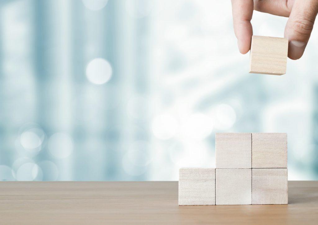 """商品分析の""""正しい方法""""は?商品分析を進める4つのステップを解説_フロー"""